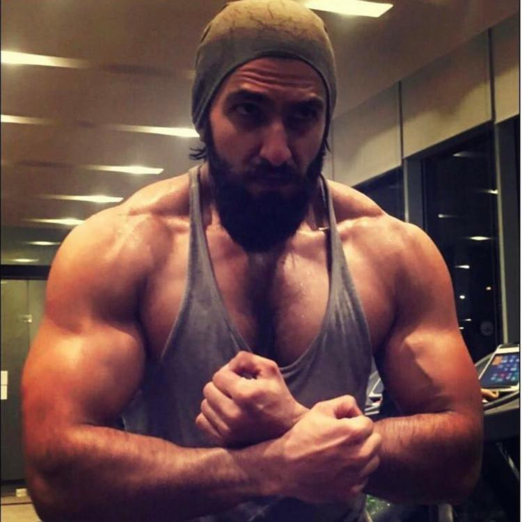Ranveer Singh is 'living the lift life' in quarantine as he keeps up with his fitness during the lockdown