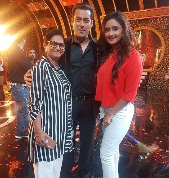 Bigg Boss 13: Rashami Desai's mother to give her a surprise visit before the grand finale?