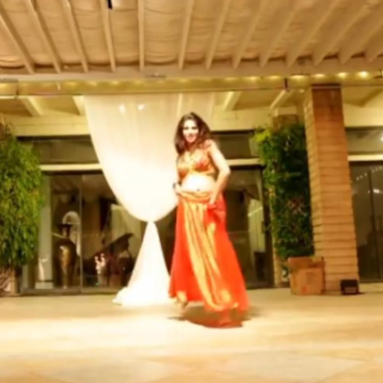 Never Have I Ever's Richa Moorjani is a sight to behold as she grooves to 'Nagada Sang Dhol' in a VIDEO