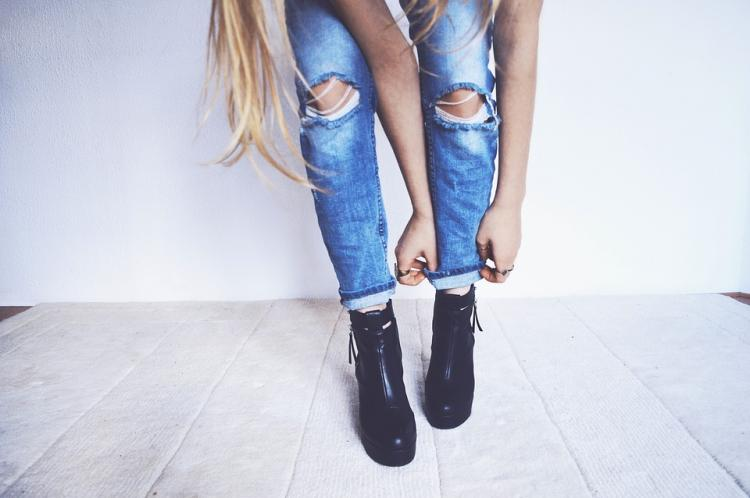 Do you love ripped jeans? Here's how you can style them