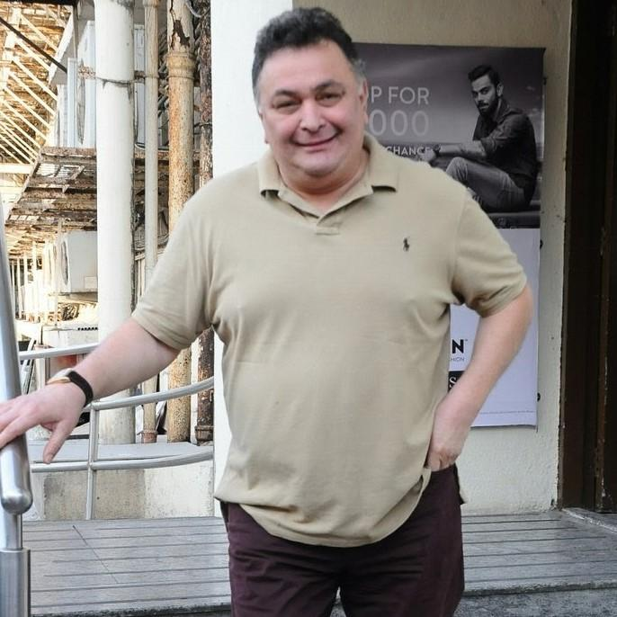 Rishi Kapoor releases Anupam Kher's autobiography; Read On