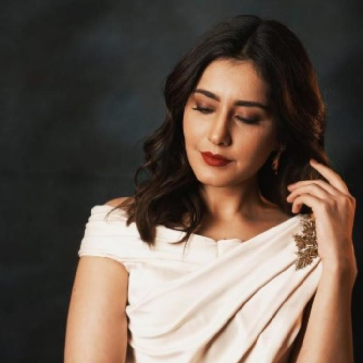 Raashi Khanna looks ravishing in an elegant saree & we are in complete awe; Check it out