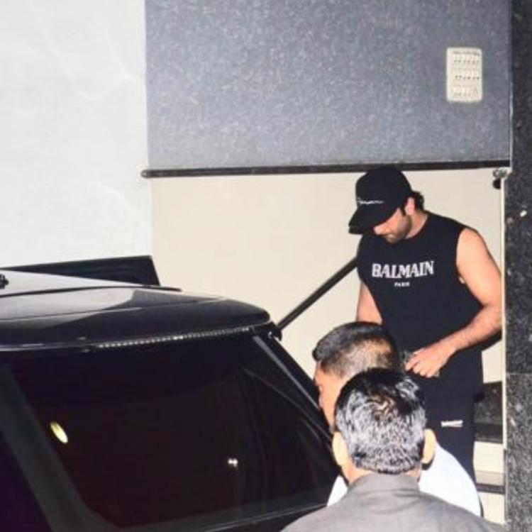 PHOTOS: Ranbir Kapoor opts for an all black casual look as he goes out and about in the city