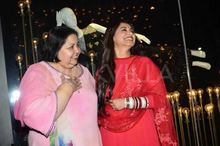 New Bride Rani Mukerjis First Public Appearance After Marriage