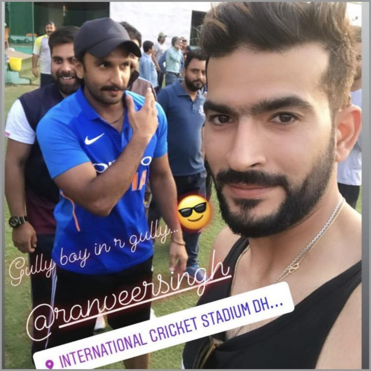 Ranveer Singh is all smiles as he greets fans during his practice session for '83 with Kapil Dev; watch VIDEO