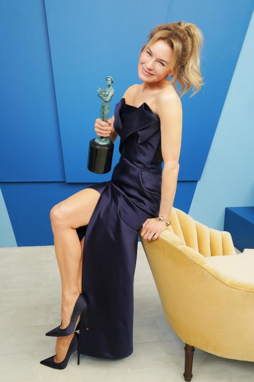 Renée Zellweger took home the Actor for Outstanding Performance by a Female Actor in a Leading Role at SAG Awards 2020.