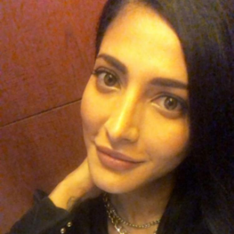 Shruti Haasan shows her love for black as she treats her fans with a selfie; View PIC