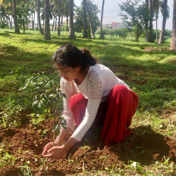 Premam actress Sai Pallavi completes the Green India challenge by planting a sapling; View Pic