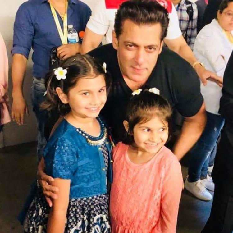 Salman Khan lights up the internet as he strikes a pose with his two adorable little fans; See pic