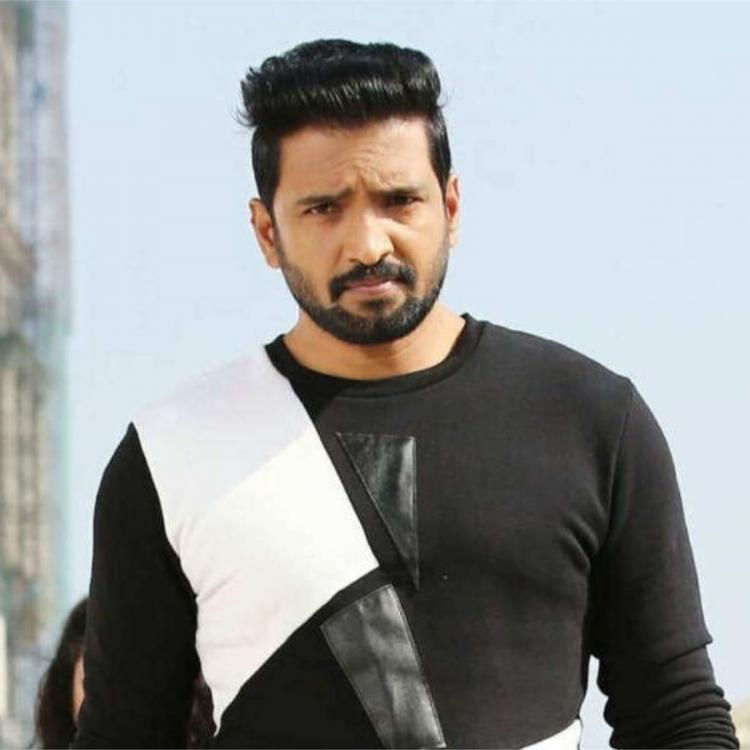 Santhanam to collaborate with A1 director Johnson K for his next project
