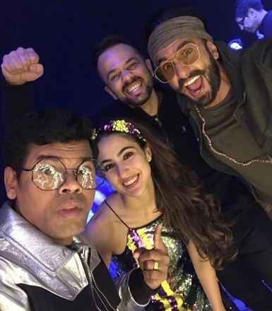 Ranveer Singh burns the dance floor on Simmba Success: INSIDE Photos and Videos.