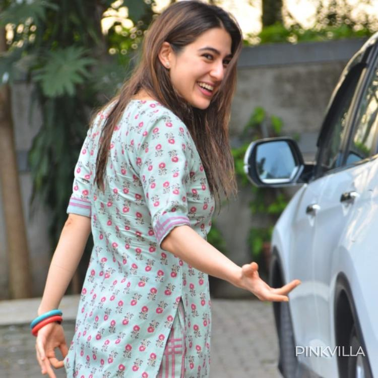 Sara Ali Khan flashes her million dollar smile as she gets spotted in the city; See Pics