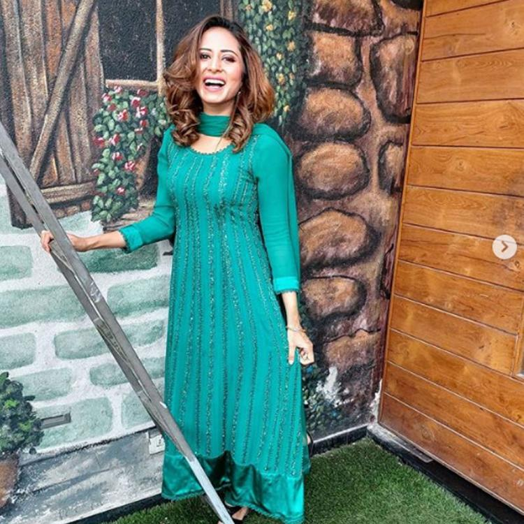 Laare: Sargun Mehta's gypsy look for Maninder Buttar's next is winning hearts; See pic