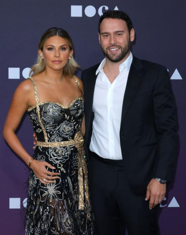 Scooter Braun has denied Taylor Swift's accusations against him on not letting the singer perform her old hits at the AMAs 2019.
