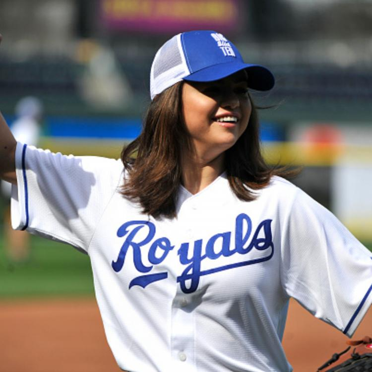 Selena Gomez enjoys to the fullest during the Big Slick celebrity softball game; View pics