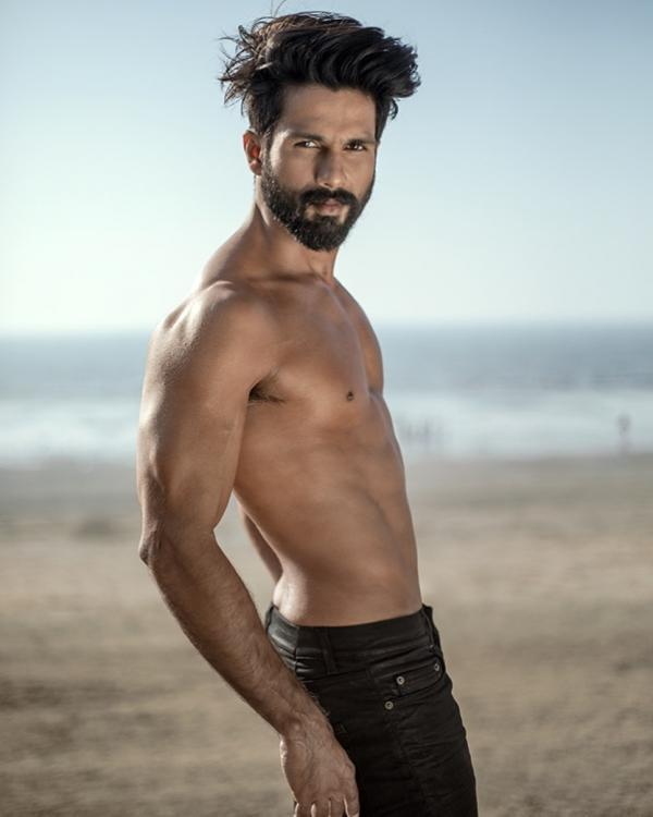 Shahid Kapoor is our man crush everyday as he goes shirtless in a throwback photo