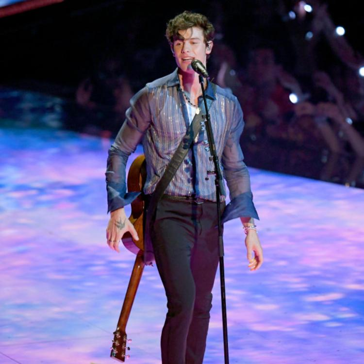Shawn Mendes at 'risk long term damage' to his voice after he was detected with laryngitis & sinus infection