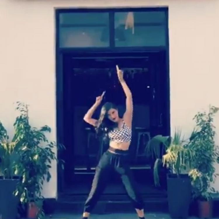 Shruti Haasan is quite elated prior to her concert and THIS video is the proof; check it out
