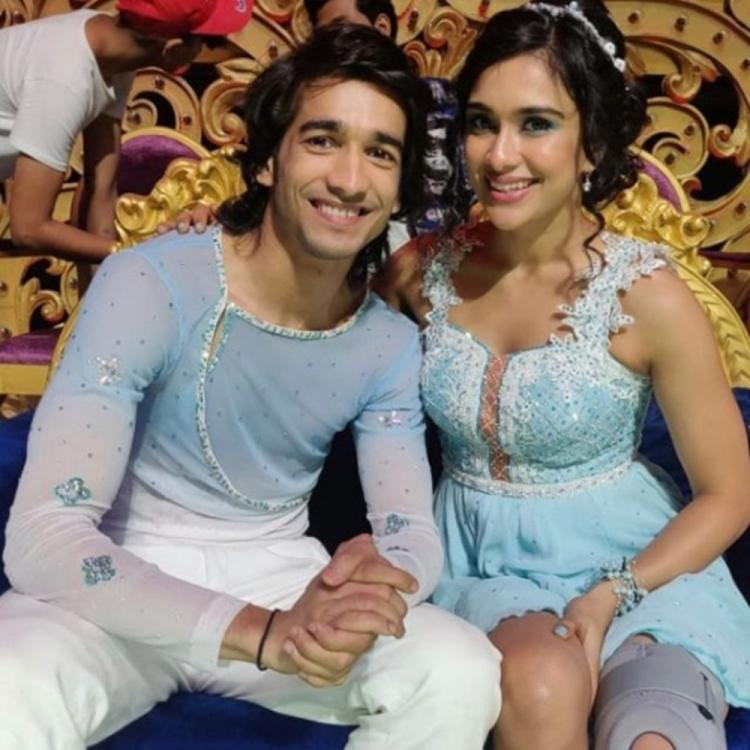 Nach Baliye 9: Shantanu Maheshwari & Nityaami Shirke twin in blue in THIS pic; check it out