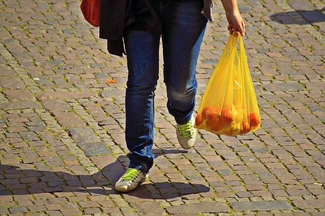 Plastic Usage: Here's how you can AVOID using plastic in your daily life