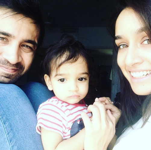 So Cute Shraddha Kapoor Poses With Her Darling Siblings