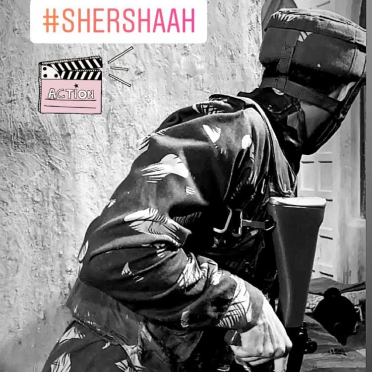 Photo: Sidharth Malhotra shares his look from Shershaah dressed in a military camouflage uniform; Check it out
