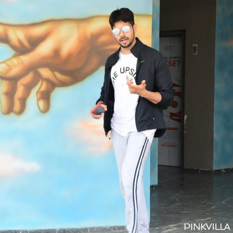 PHOTOS: Sidharth Malhotra keeps it casual as he walks out of the gym post a workout session