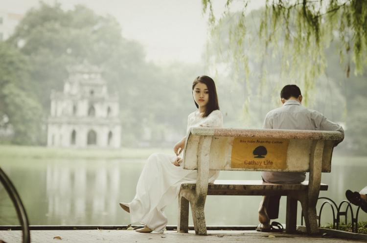 Trouble in paradise? THESE are the tell tale signs of a one sided relationship