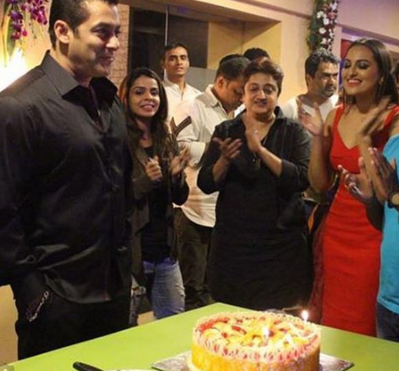 Heres who Salman Khan celebrated his birthday with before ringing
