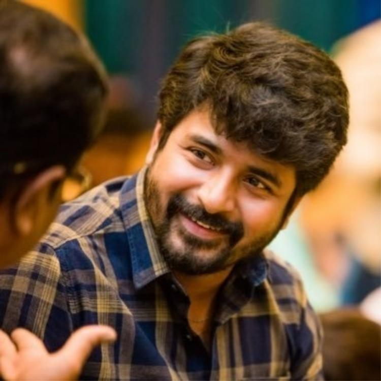 Sivakarthikeyan shares picture from the sets of Ayalaan; Check it out