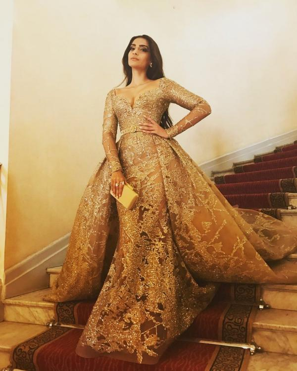 Sonam K Ahuja will NEVER forgive Arjun Kapoor's GF Malaika Arora for embarrassing her at a party; Read on