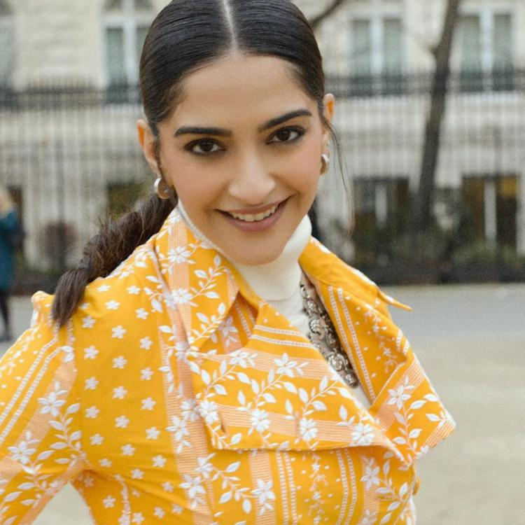 Image result for sonam kapoor,nari