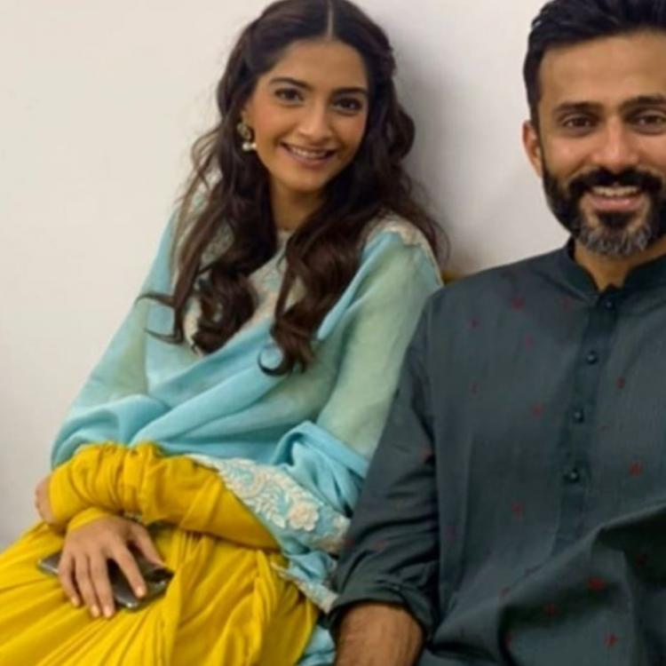 Sonam Kapoor Ahuja and Anand Ahuja click an adorable Diwali ready selfie; Check out