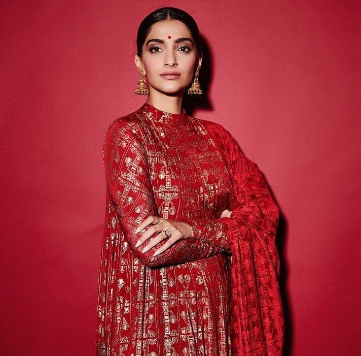 If you are an artiste, you need to have a full life, says Sonam Kapoor