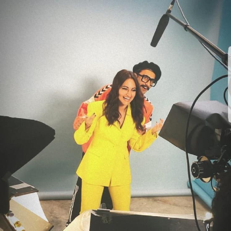 Ranveer Singh aka Baba hilariously crashes Sonakshi Sinha's photoshoot, latter share the photos