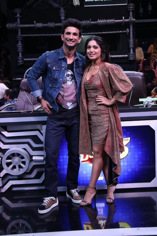 Sushant Singh Rajput and Bhumi Pednekar promote Sonchiriya on the sets of Super Dancer Chapter 3; see pics