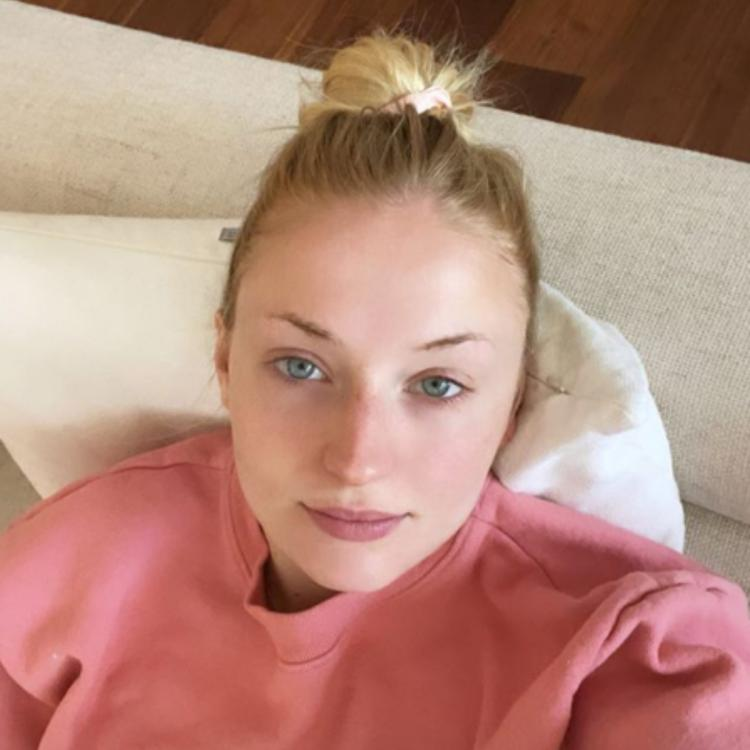 Pregnant Sophie Turner caresses her baby bump while flaunting her comfy sweatshirt; See Pic