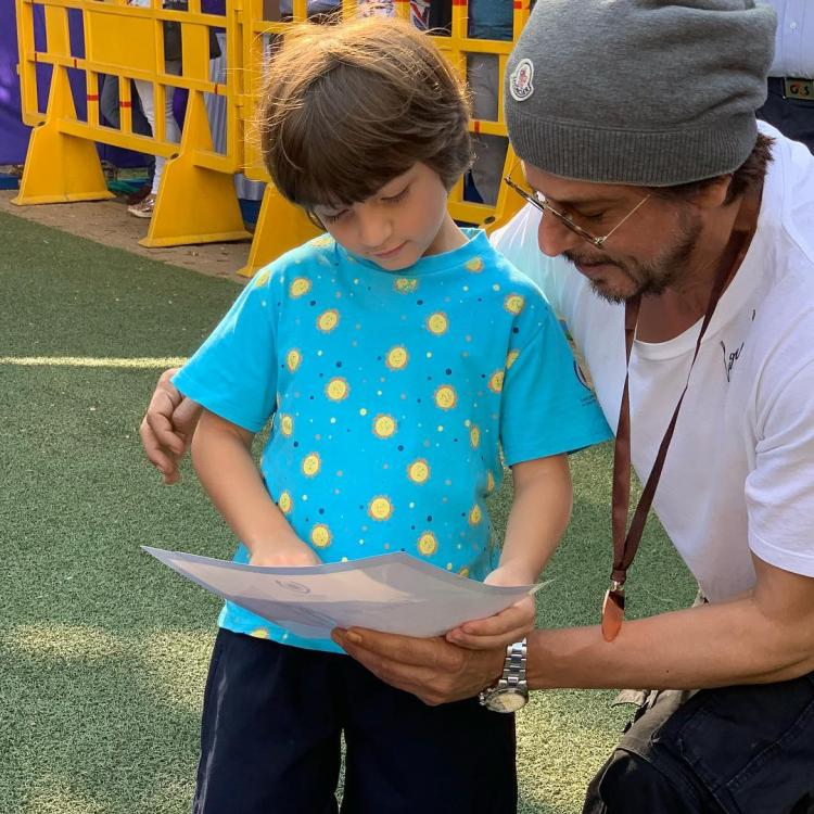 Shah Rukh Khan shares the playboys' mantra in this picture with Aryan and AbRam Khan