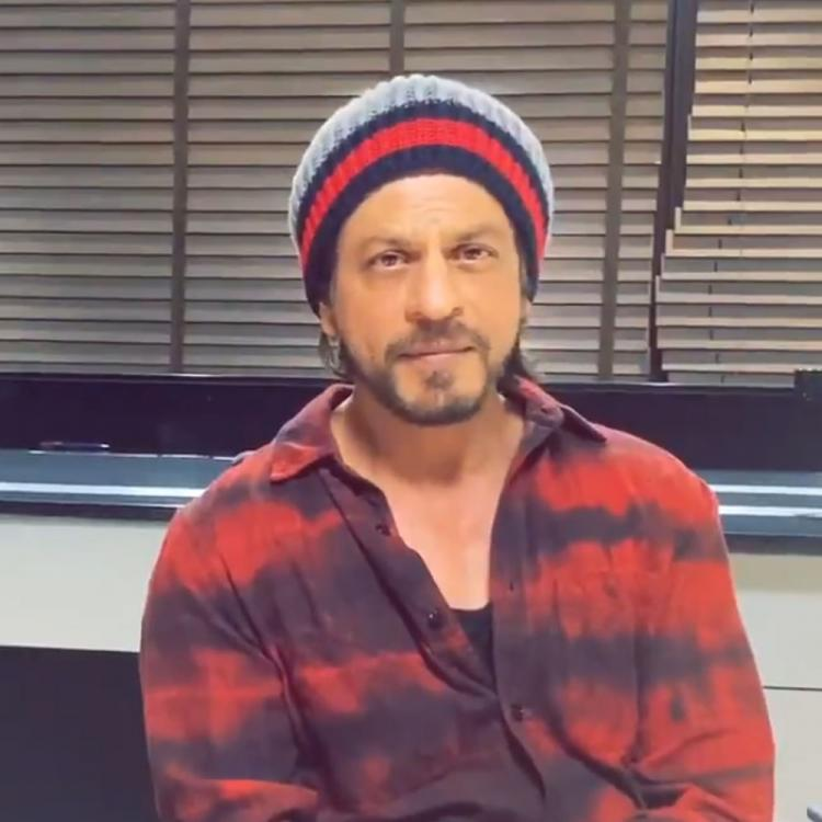 Shah Rukh Khan urges people to avoid public places amid COVID 19 ...