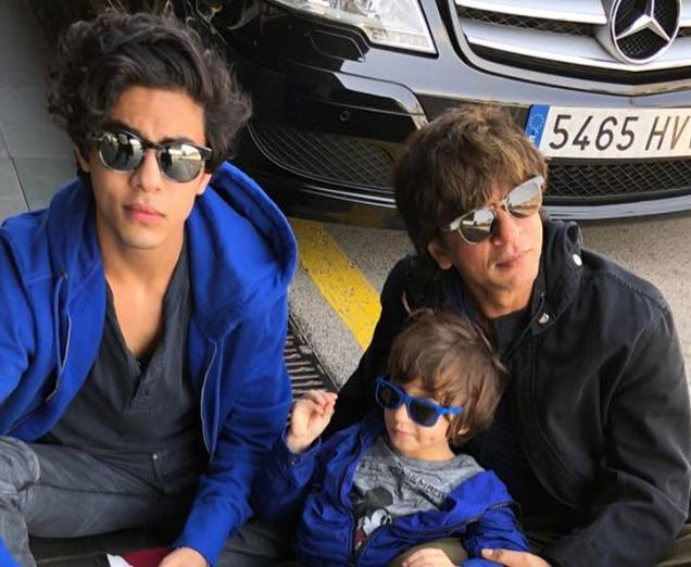 Shah Rukh Khan shares the meaning of being a true king with son Aryan Khan