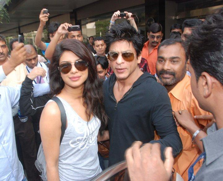 Priyanka Chopra Amp Shahrukh Khan Returns From Berlin