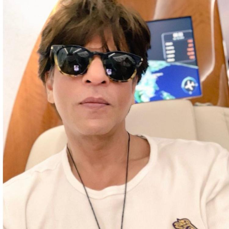Shah Rukh Khan gives a hilarious reply to a fan asking him about the dumbest way he has been injured