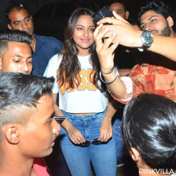 PHOTOS: Sonakshi Sinha is a bundle of joy as she clicks selfies with fans