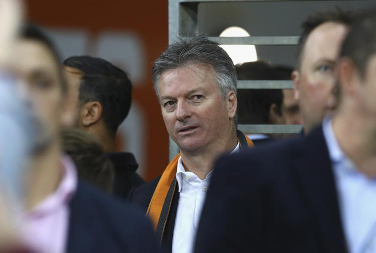 Steve Waugh says it is unfair to single out MS Dhoni for the loss against New Zealand in the semis