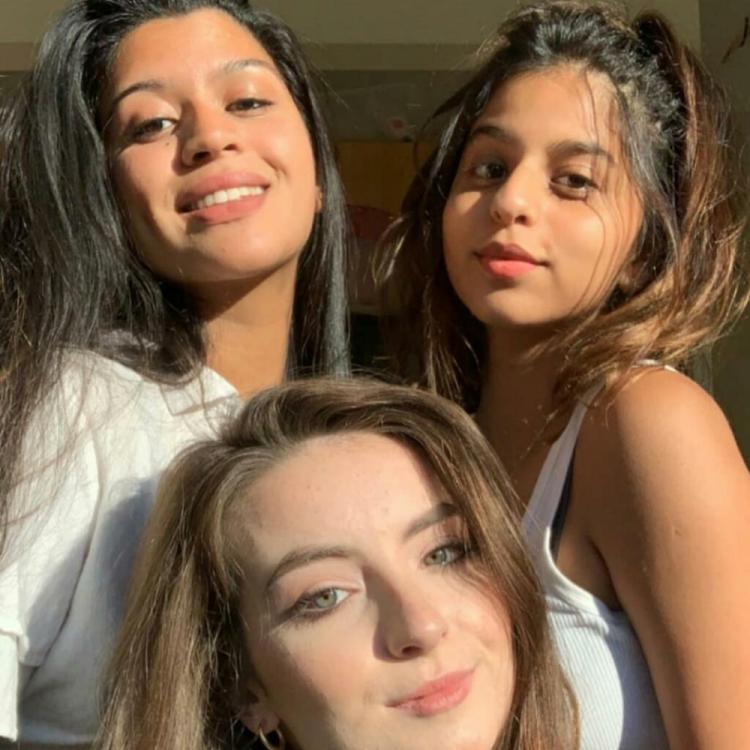 Suhana Khan looks radiant as she poses with her girl gang in New York; See Pics