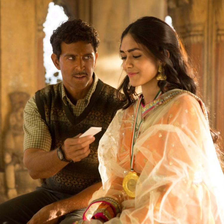 Super 30 song Jugraafiya: Hrithik Roshan and Mrunal Thakur look lovestruck in a still from the upcoming track