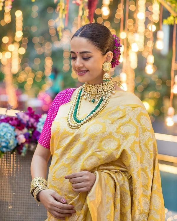 Surveen Chawla's pregnancy glow in her godbharayi photos is unmissable; check it out