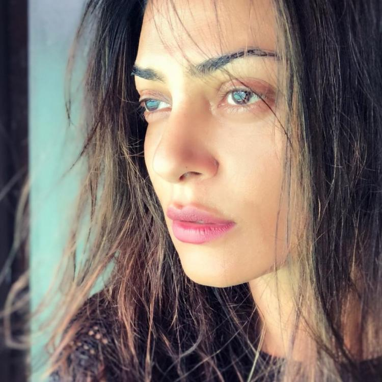Sushmita Sen is a sight to behold in a close up shot by her 'jaan' Rohman Shawl; See Photo