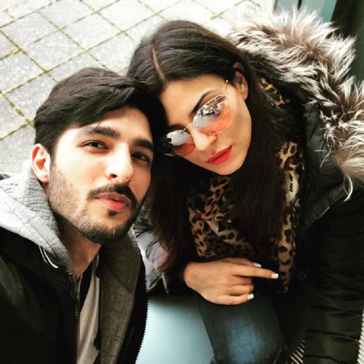 Sushmita Sen's beau Rohman Shawl is all hearts for his ladylove's latest Instagram post; Check it out