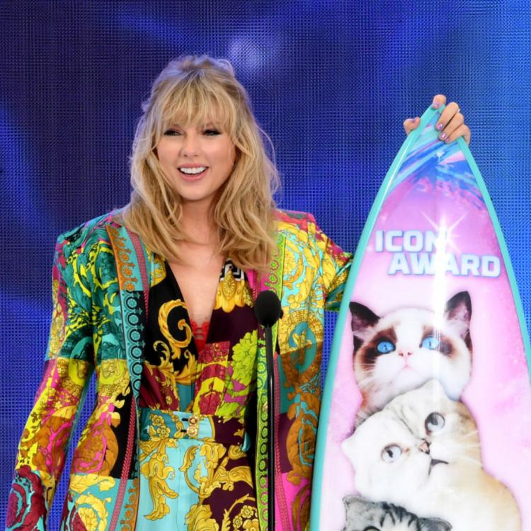 VIDEO: Taylor Swift announces Lover song release date in an ICONIC Teen Choice Awards 2019 speech